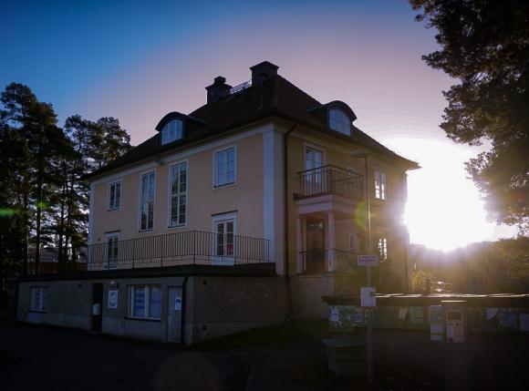 Villa Skoga - historisk byggnad och centralpunkt i Kungsängens centrum.
