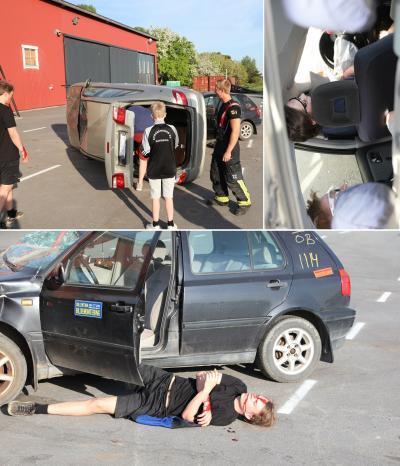 Gusten går igenom olycksscenariot med markörerna. Andreas lägger sig till rätta på asfalten medan Elias och Robin klättrar in i den välta bilen där de \