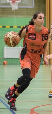 Alexandra Petrovski är en baskettalang utöver det vanliga! Svenska Basketförbundet har därför tagit ut henne som enda svenska tjej till NBAs basketläger i Slovenien.