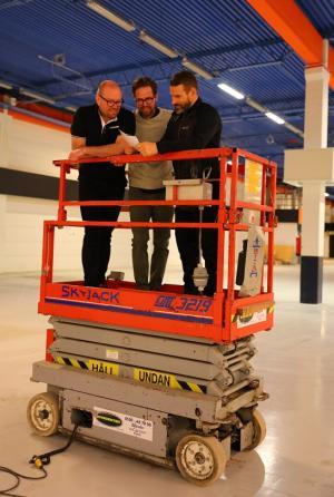 Magnus, Christer och Alex utgör 75% av Popup Padel. Fjärde delägaren, Petter, var för dagen upptagen med ett utbildningsuppdrag.