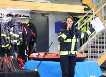 Kristina Gissler har skrivit föreställningen Larmet går som visats under fyra år på brandstationen i Knivsta. Under tre intensiva dagar med sammanlagt sex föreställningar har nu också 1 800 Upplands-Bro-barn fått ta del av upplevelsen.