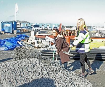 Camilla Janson (S), Kommunstyrelsens ordförande i Upplands-Bro och Katarina Wåhlin Alm, VD NCC Property Development Sverige.