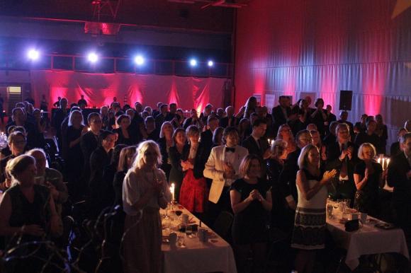 Vilken kväll! 150 glada gäster, grym underhållning, fin bankett/galakänsla och god mat. Arrangörerna av Upplands-Brogalan åstadkom ett praktkalas!
