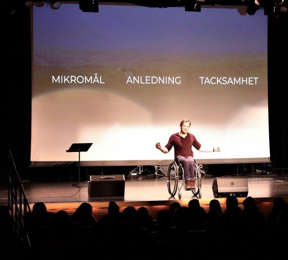 M A T - eller Mikromål, Anledning och Tacksamhet är tre verktyg Aron haft stor nytta av i livet.