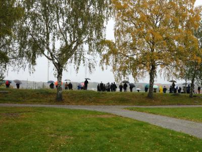 Regn och rusk på Bro IP när den säsongsavslutande matchen spelades.