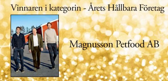Magnusson Petfood AB är ett familjeföretag i hundmatsbranschen. Pappa Peter (i mitten) grundade företaget, och har numera klivit tillbaka till förmån för den yngre generationen: sönerna Jonas (till vänster) och Kåre (till höger).