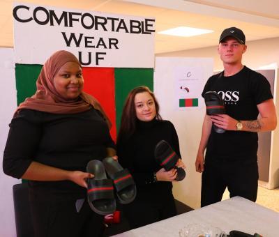 Comfortable Wear säljer tofflor. Företaget fick ett särskilt omnämnande av juryn som imponerades av \