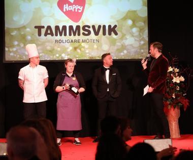 Köket, i egenskap av köksmästaren Alexander Ahlin och hovmästaren Helena Naesström, var på plats på scenen tillsammans med Emil Almberg, Account manager på Happy Tammsvik, och presenterade kvällens meny.