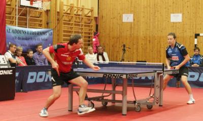J-O Waldner var en av många världsspelare som kom till Lillsjöskolans gymnastiksal för att möta TKBTK.