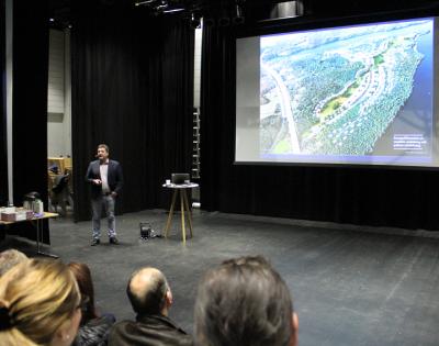 Mathias Rantanen presenterade några av de byggplaner som är på G i Upplands-Bro. Några närmare i tiden än andra.