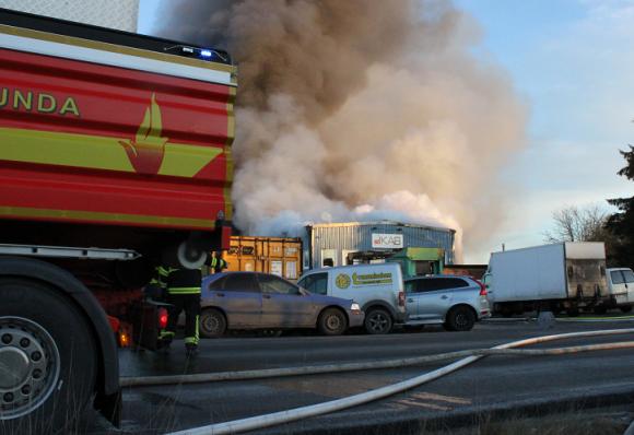 Branden i Skällsta industriområde december 2014.
