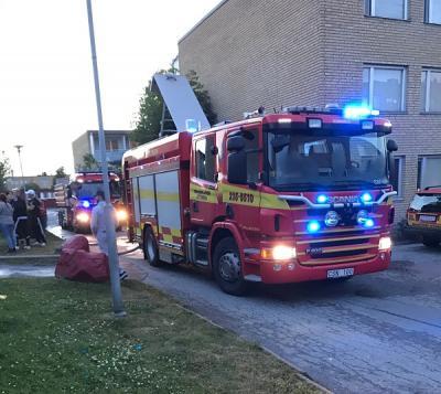Vid 21.30-tiden på söndagen larmades Räddningstjänsten till Fasanstigen i Råby där en lägenhetsbrand utbrutit.