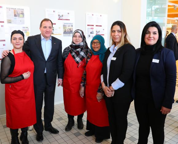 Fantastiska kvinnor från kvinnoprojektet bjöd på spännande bakverk.