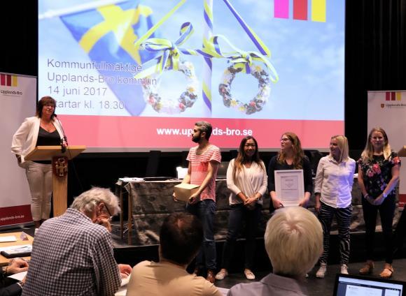Pia Ringkrans,Nabil Koubaissi,Sara Turstedt,Maria Edsparr, Anna Westman, samt Monica Svensson var på plats i Kulturhuset för att motta priset. Saknas på bilden gör kollegorna Matti Kangasgesti och Thomas Hedin