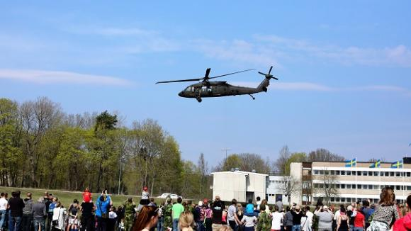 Livgardets Dag bjöd på massor med aktiviteter och var en spännande utflyktsdag. Bland annat var det uppvisning av en övning med skottväxling, helikopter och stridsvagnar.
