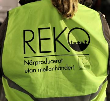 REKO-värdar fanns på plats på premiärutlämningen i Bro centrum i fredags.