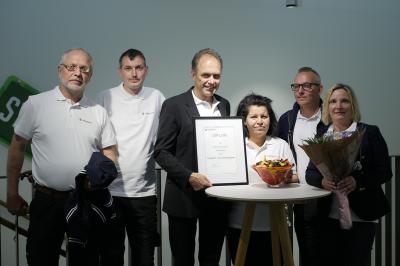 Vinnarna, från vänster: Peter Jansson, Uldis Inkis, Johan Boström, Shilan Omer, Fredrik Bergqvist och Sandra Svensson Drobny.