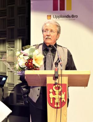 Jan Westin belönades för sin flit att med kameran dokumentera stort som smått, livet i Upplands-Bro.