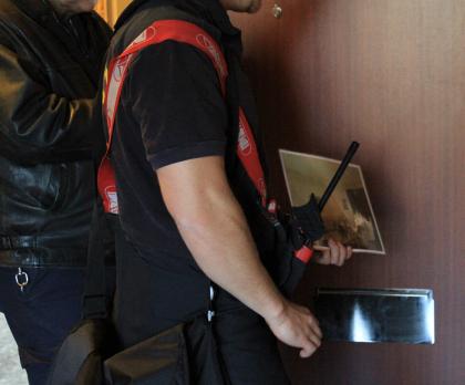 -Skulle du kunna släcka en brand av den här omfattningen? var en av de frågor brandmännen ställde till de boende under hembesöket.