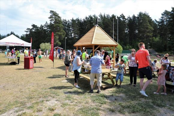 Invigningen av kommunens tionde naturreservat bjöd på aktiviteter och festligheter i solgass och härlig värme.