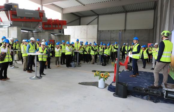 Invigningen av biogasanläggningen lockade många deltagare.