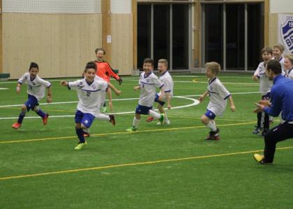 Bro IK vann brons i Bro IK Cup. Glädjen var total när matchen avgjordes.