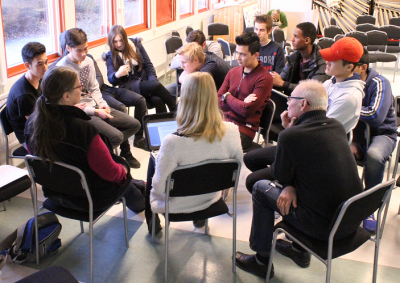 Diskussionen om bostäder var lång och intensiv och lockade många diskussionsdeltagare.