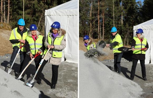 Och där var bygget officiellt startat! Jan Hägglund, Tina Teljstedt och Birgitta Nylund vid spadarna.