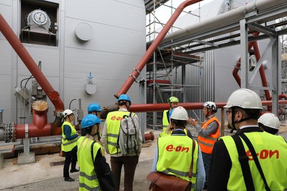 Här kommer gasen ut och går vidare till nästa steg där den förädlas till bränsleklassad biogas.