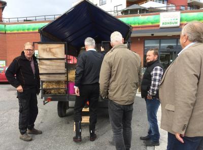 Lars Otto Thorin är lantbrukare och LRFrepresentant i Upplands-Bro. På onsdagen tog han med sig några av kommunens politiker och lantbrukarkollegor samt LRF-toppar på en traktortur.