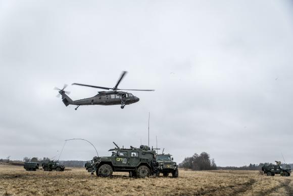 Helikopter 16 används vid slutövningen för Mali-soldaterna.