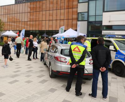 Polisen, Grannstödsförare och FRG (Frivilliga ResursGruppen) visade upp sig. Många passade på att byta några ord med dem.
