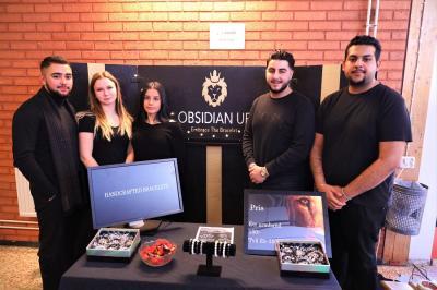 Obsidian UF tillverkar och säljer armband. Företaget fick ett särskilt omnämnande av juryn för sitt koncept och för helhetsintrycket.