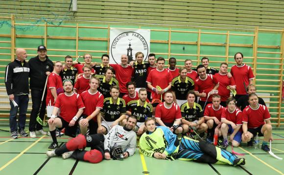 Hela All Staruppställningen. Till det röda All Star-laget hade varje deltagande lag nominerat en spelare från sin trupp. I AIKs stjärnlag spelade ungefär halva SSL-truppen varav flera spelare har landslagsmeriter.
