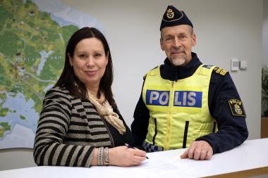 Maria Johansson, Kommundirektör i Upplands-Bro, och JörgenKarlsson, lokalpolisområdeschef i Järfälla och Upplands-Bro.