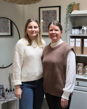 Celinn och Sussi Sjölander öppnar butiken Mor & Dotter i Kungsängen.