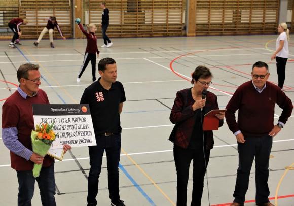KSK mottog även ett ledarutvecklingsstipendium om 30 000 kronor.